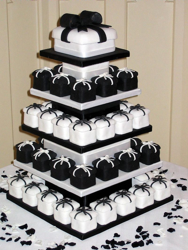 black white wedding cupcake bitsy bride